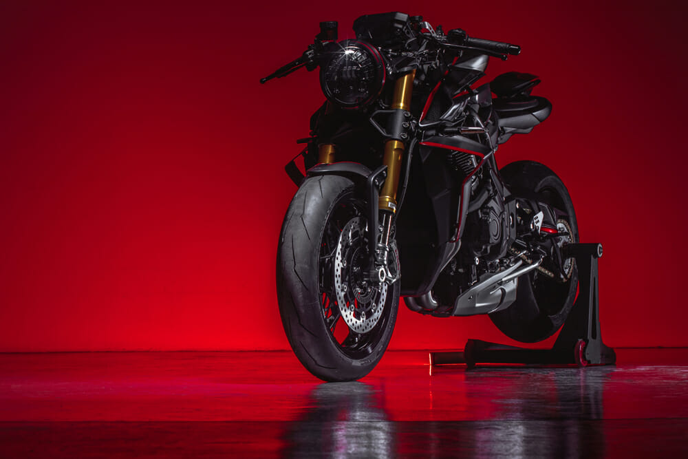 MV Agusta Rush 1000 red backlight